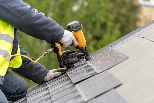 licensed roofers in Calgary